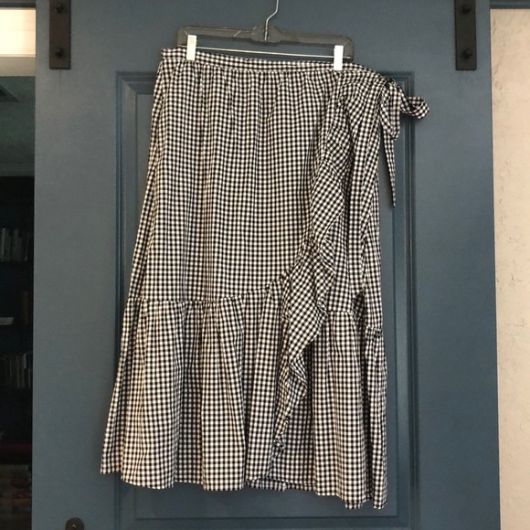 d4f81a32dc8d3 Cupio Dresses   Skirts - Black and White Gingham Wrap Skirt